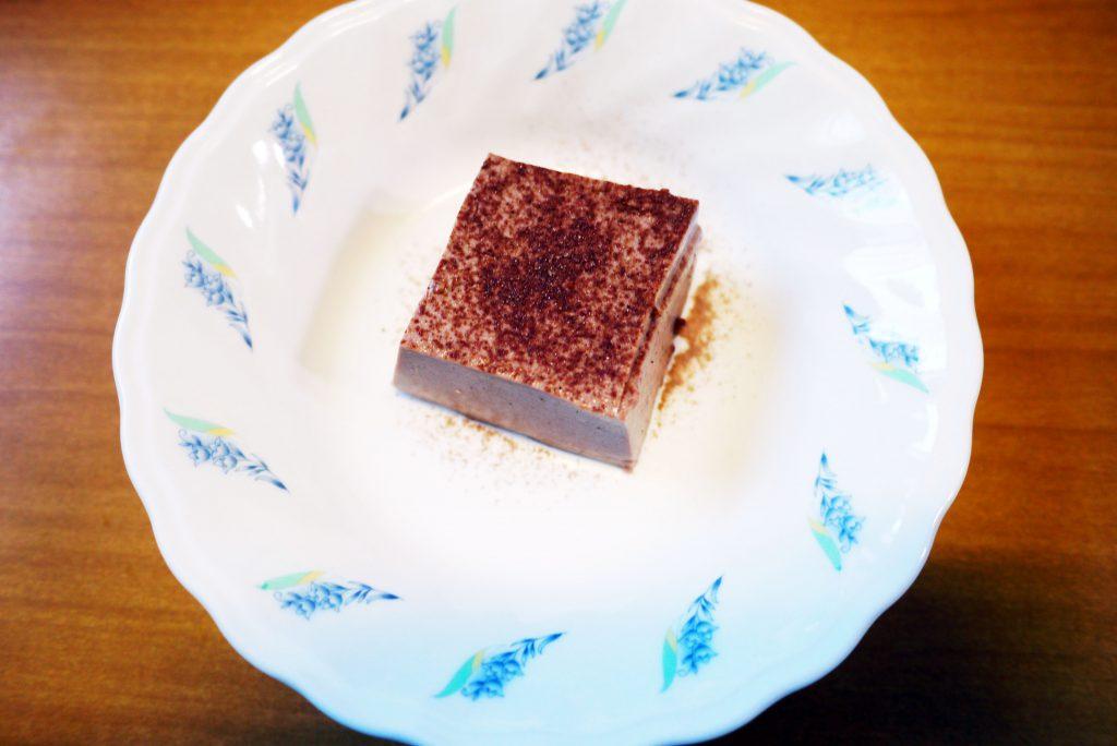 きょうのおやつは、チョコレートババロアでした。