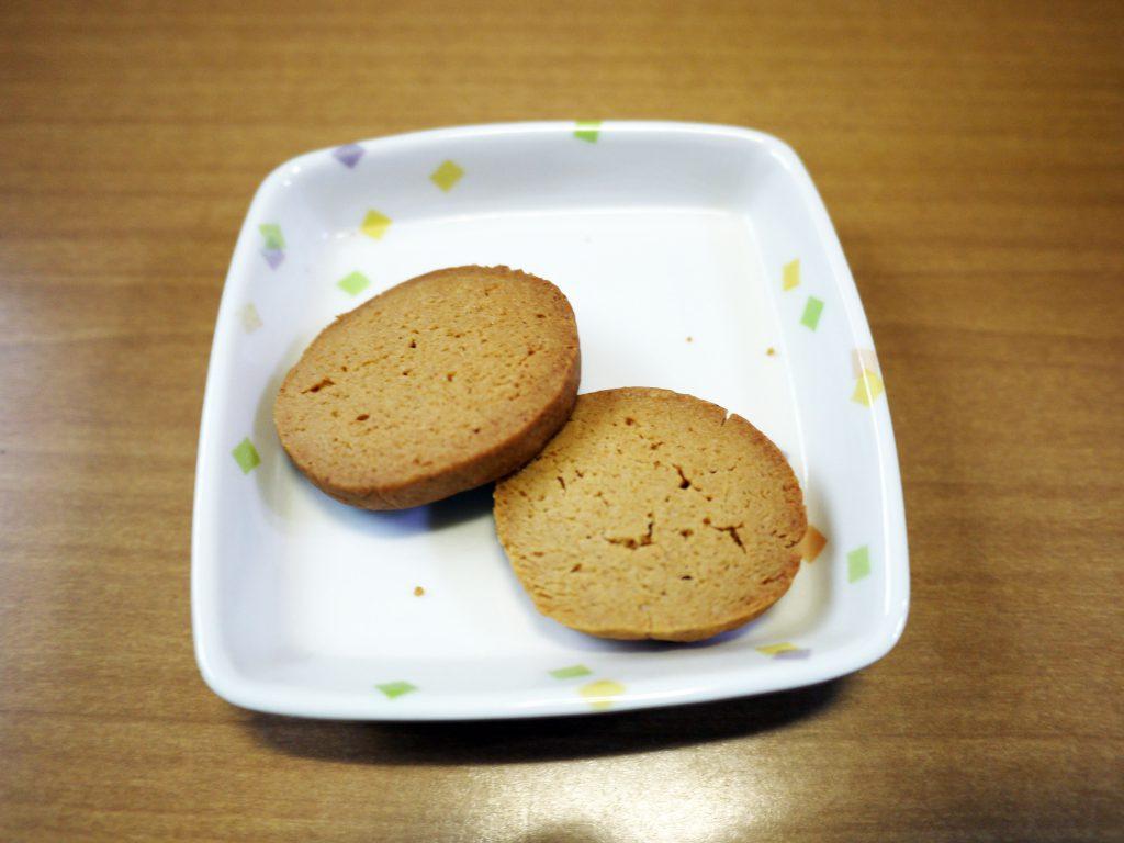 きょうのおやつは、サクサクきな粉クッキーでした。