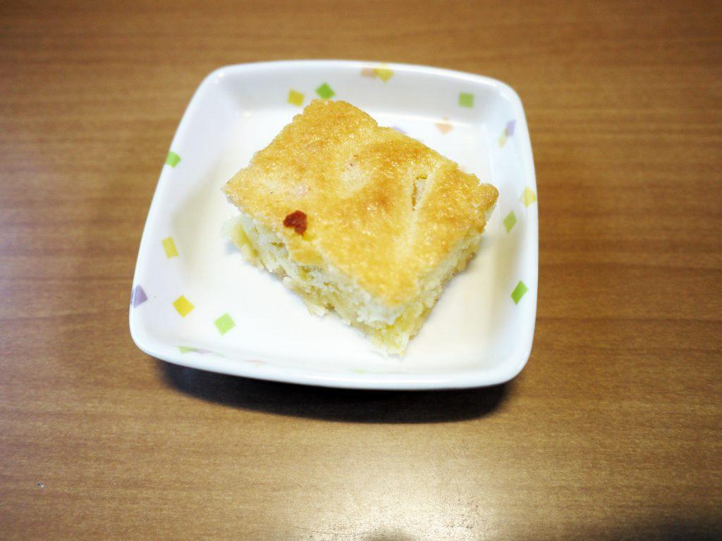 きょうのおやつは、ツナパインケーキでした。