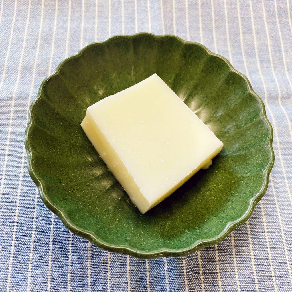 10/16のおやつは、やわらか杏仁豆腐でした。